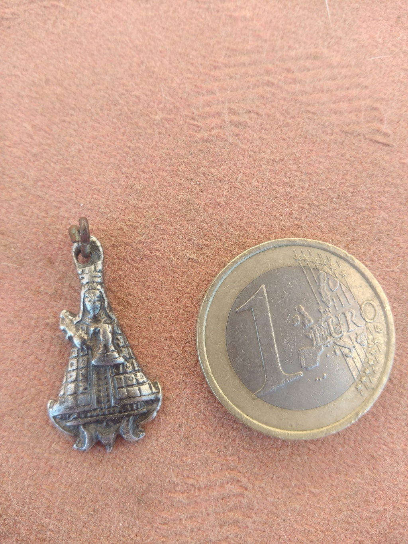 Medalla figurada de la Virgen de Guadalupe S.XVII Img_2010