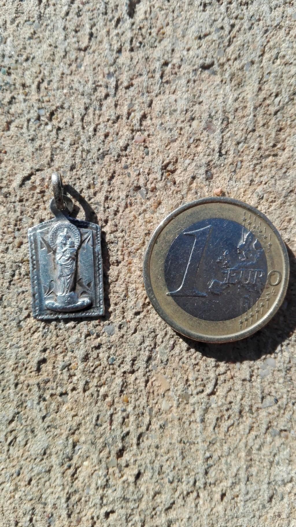 """Medalla """"recuerdo del PIlar"""" Img_2021"""