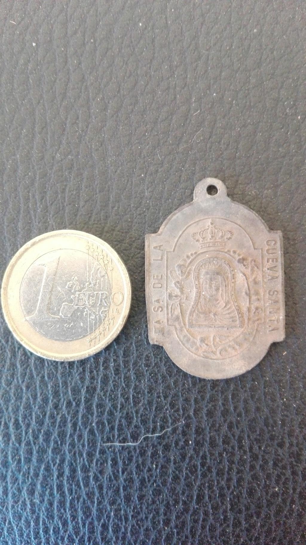 Medalla Virgen de la Cueva Santa Img_2027