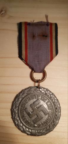 Médaille luftschutz  20200574