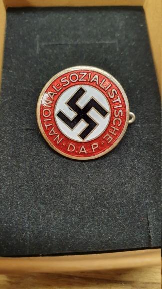 Estimation badge précoce du parti 20200745