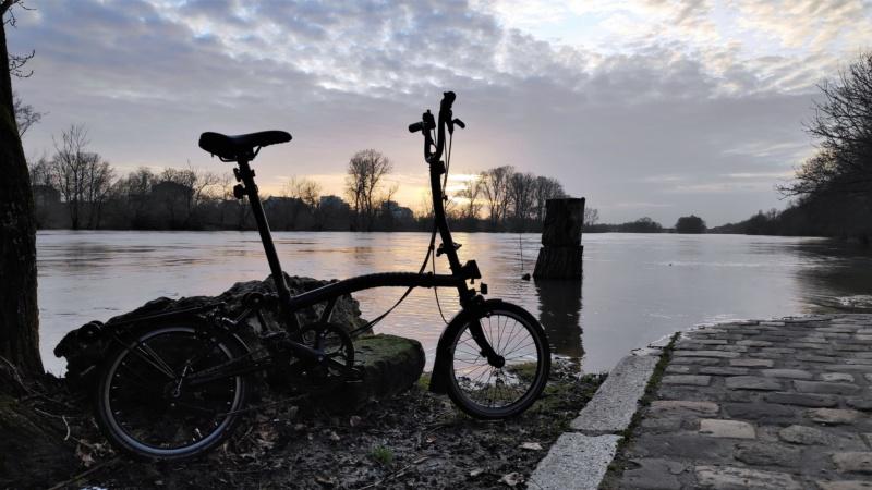 ¯\_(ツ)_/¯ bike(s) - le H6R tout noir (2015) Img_2014