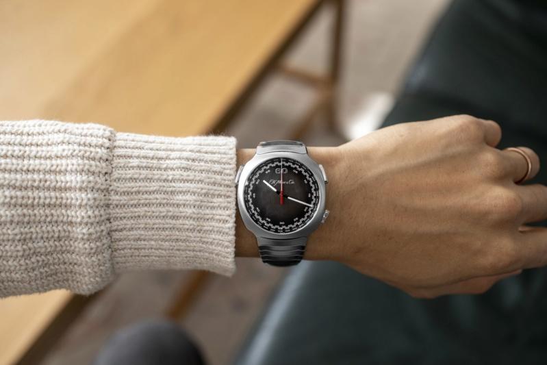 moser - Moser travaille (aussi) sur sa montre à bracelet métal intégré - Page 3 032a9510