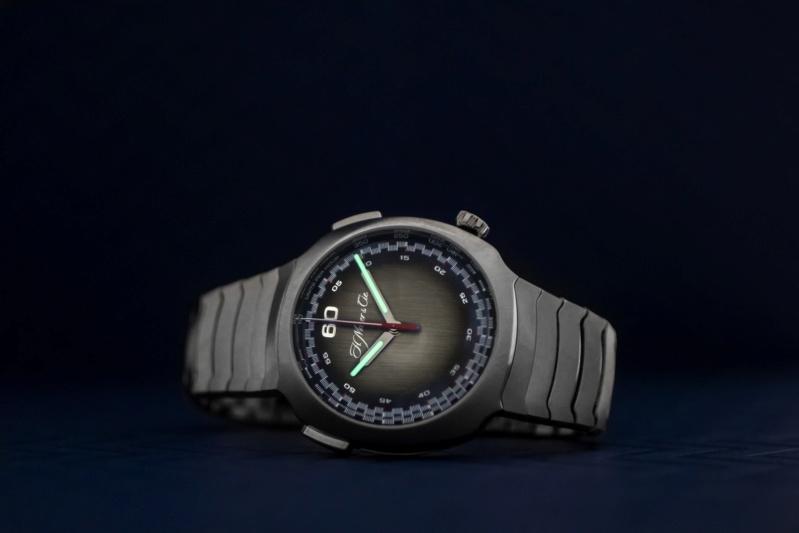 moser - Moser travaille (aussi) sur sa montre à bracelet métal intégré - Page 3 12-26-10