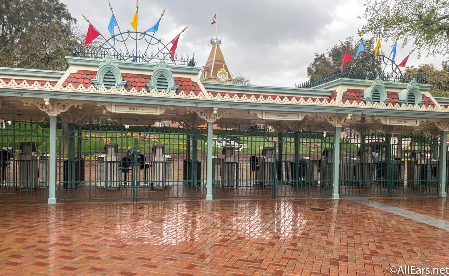 Esplanade : Nouvel Aménagement entre les Parcs, la Gare et DV - Page 23 Disney11