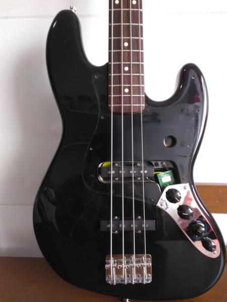 Impressões sobre meu primeiro Fender Img_2013