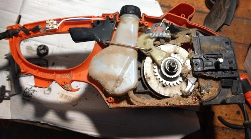 Erogazione olio catena elettrosega Echo Img_2067