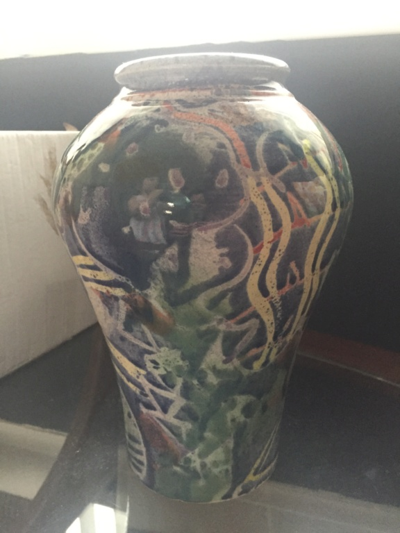 Can anyone help me iD maker of this vase please signed Evans B1600010