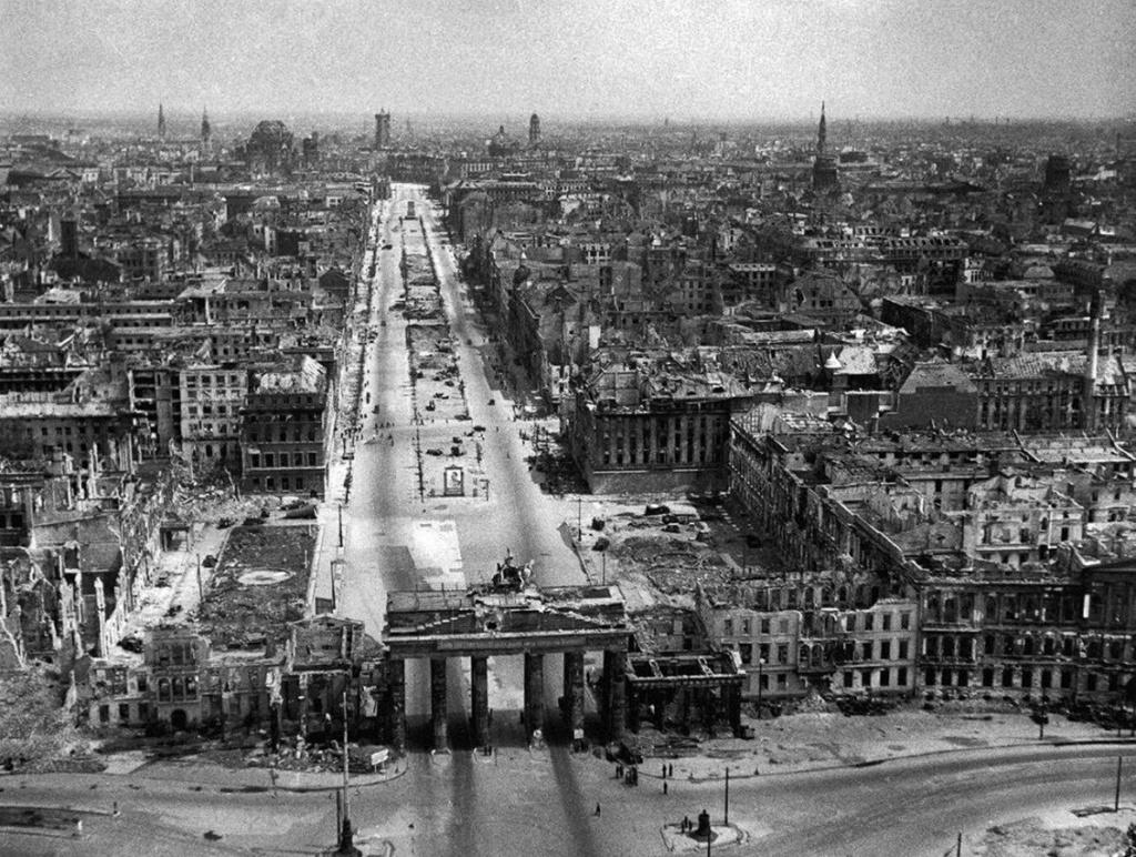La Bataille de Berlin (plus extra )(en gros) 110