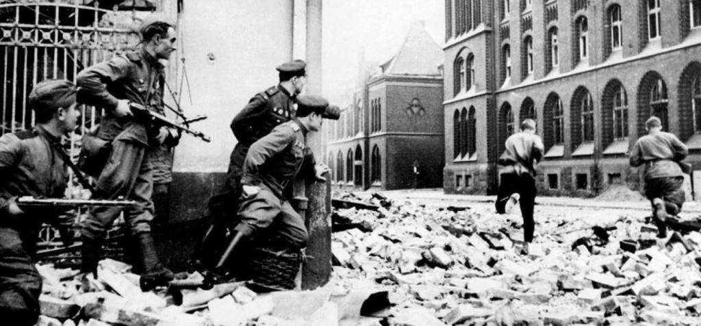 La Bataille de Berlin (plus extra )(en gros) 211