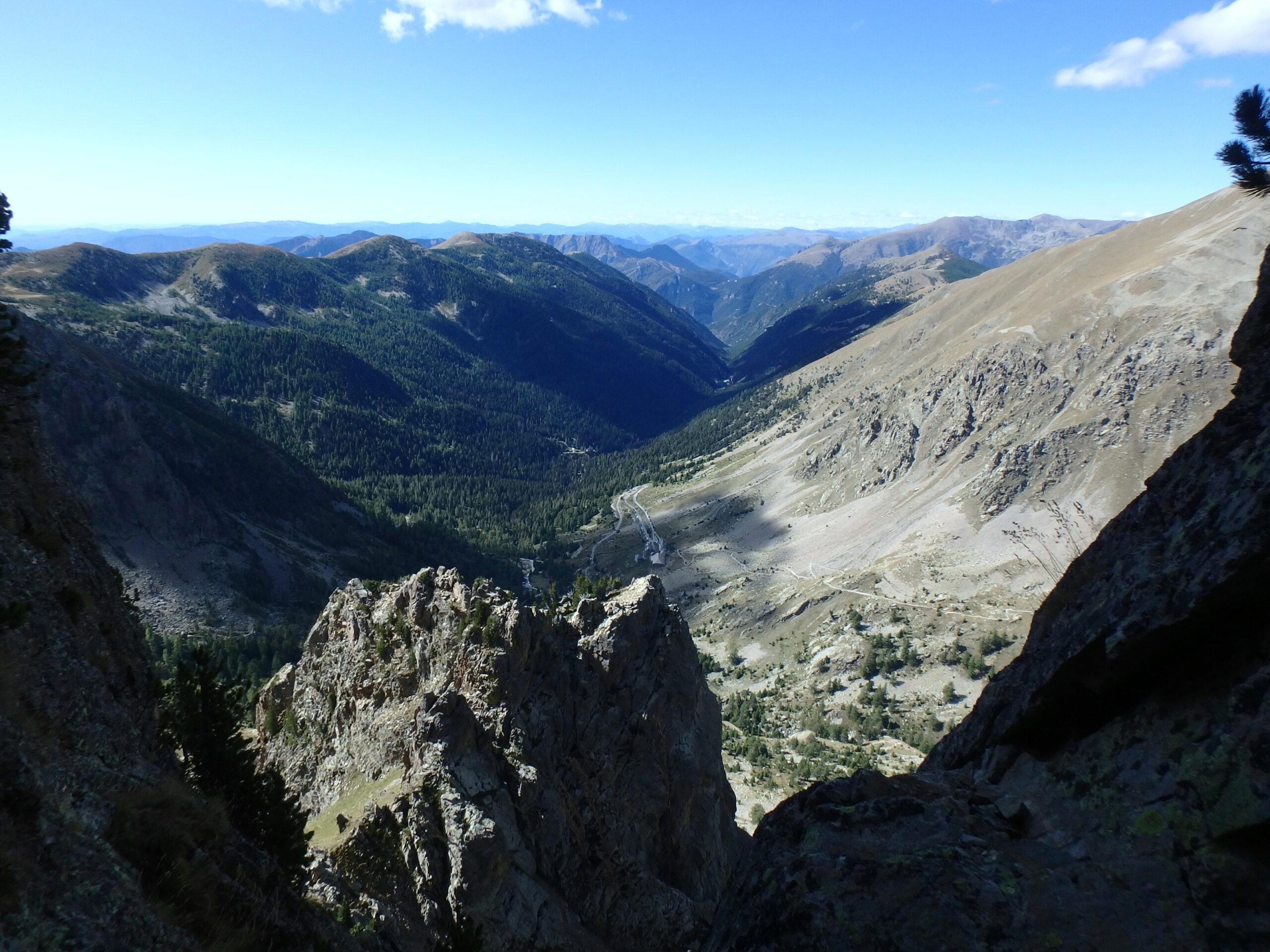 Une arrête de la fraicheur, au Grand Cayre de la Madone  P9260631
