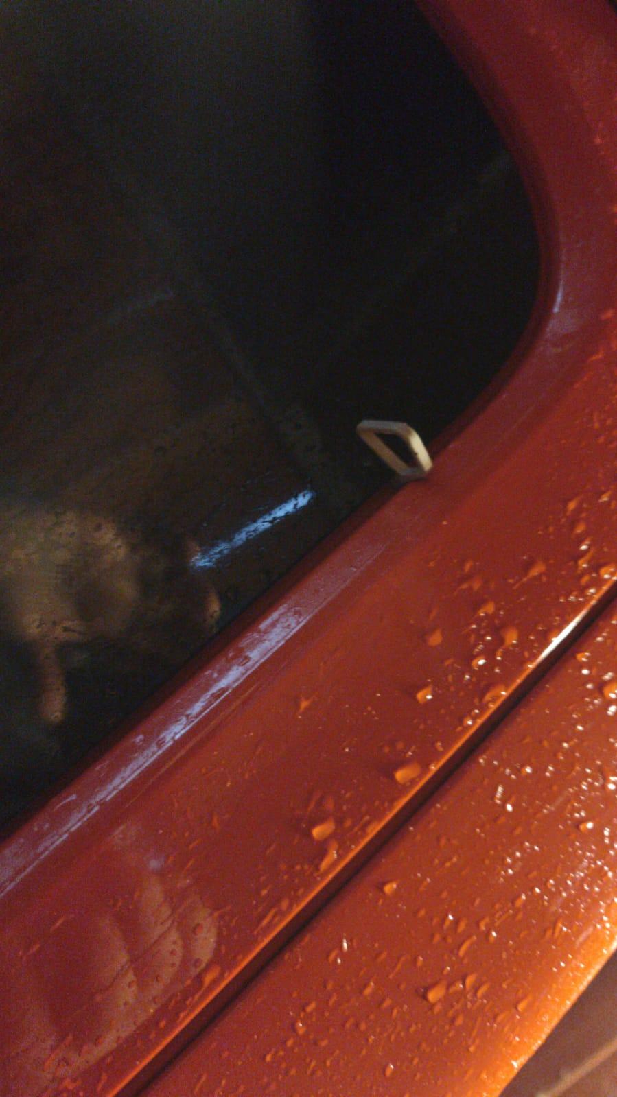 fermo plastica su vetro fissi posteriori Jeep10