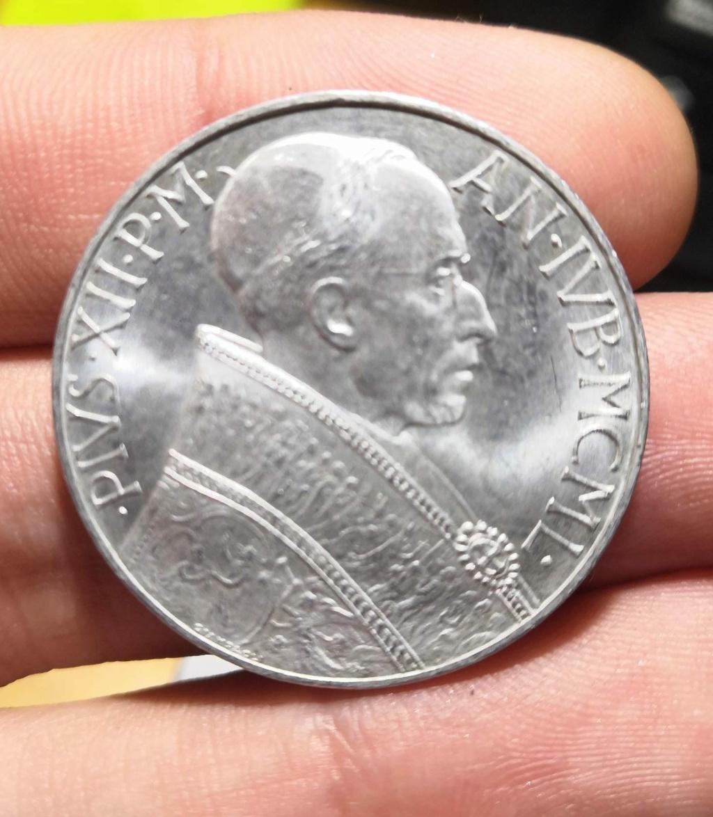 10 Liras del Vaticano de 1950. Opinión Whatsa44
