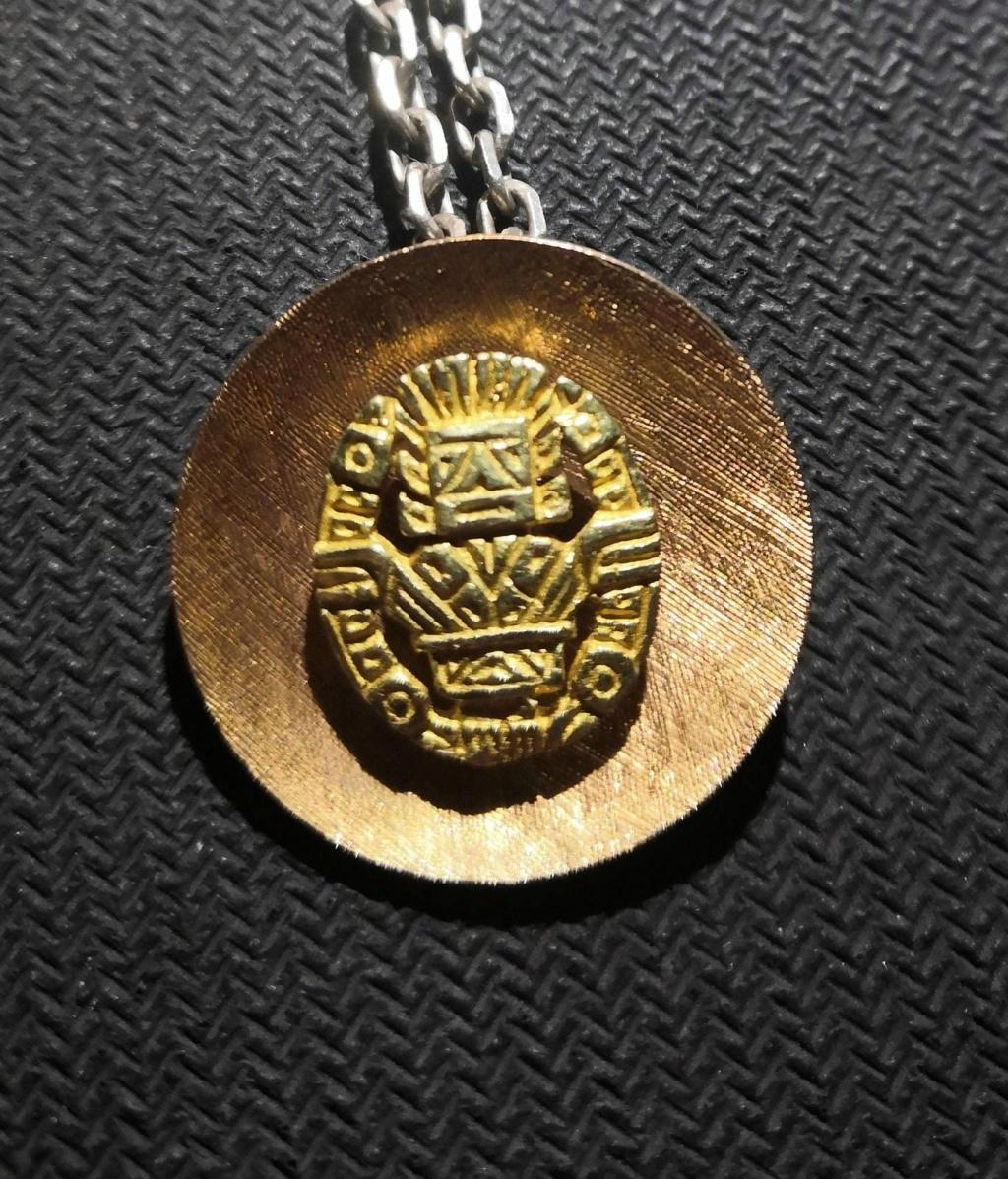 Medalla/Broche de oro del 1950 -Tasación- Whatsa45