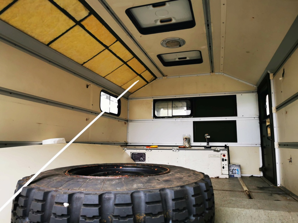 "Restauration d'un U1300 435 AC Ambulance... vers un Campervan ""grand froid"" Img_2023"