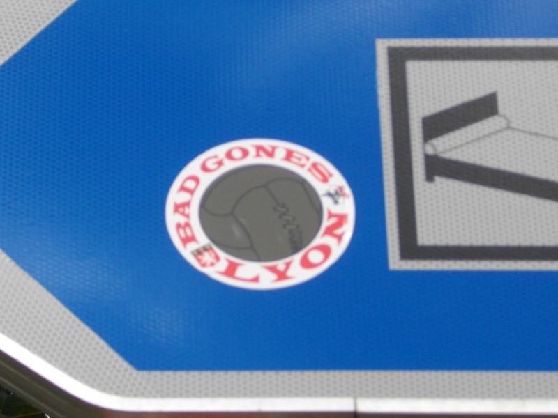 """Stickers """"Partout/Toujours"""" (Photos/débats) - Page 39 Imgp0513"""