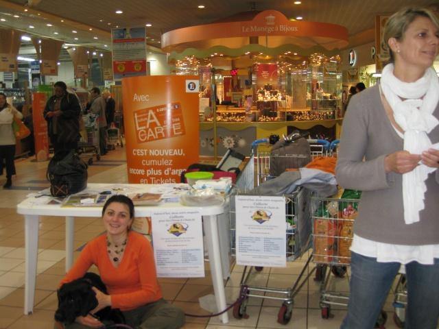 Collecte au Leclerc de Viry Chatillon le 25 avril 2009 Collec11