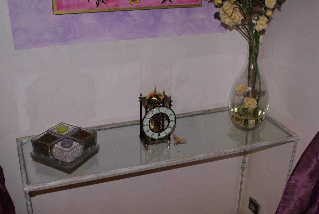 Une petite horloge rigolote ... Dsc08223