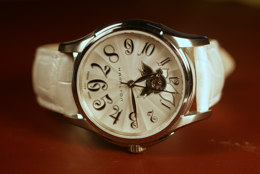 Belle montre femme Dsc09337