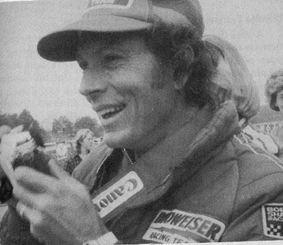 BOB SHARP RACING DATSUN, Paul Newman..Combinaison gagnante Bobsha10