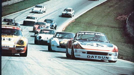 BOB SHARP RACING DATSUN, Paul Newman..Combinaison gagnante Bszfie10