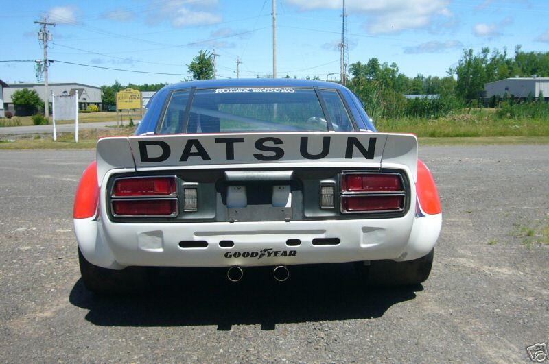BOB SHARP RACING DATSUN, Paul Newman..Combinaison gagnante Ca72_310