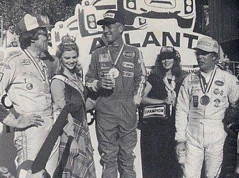 BOB SHARP RACING DATSUN, Paul Newman..Combinaison gagnante Plnpod10