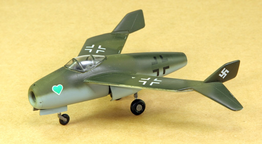 Blohm & Voss BV P.211.02 & P.212.03 [1:72 - Special Hobby,encore ! ] Blom__12