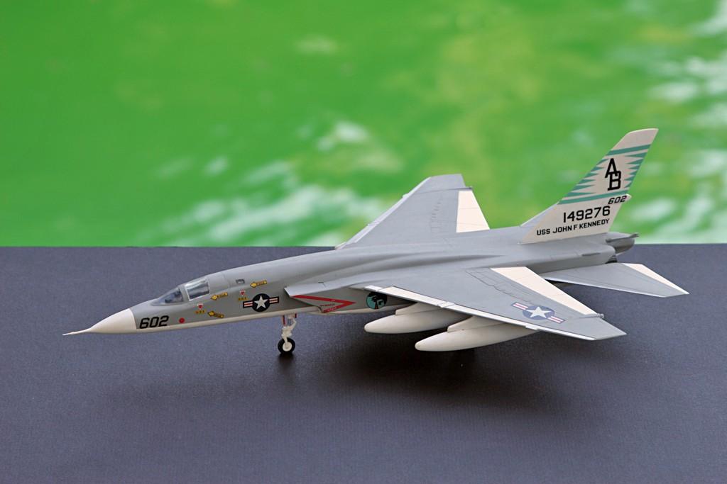 North American RA-5C 'Vigilante' - RVAH-14 1969 [1:72 - AIRFIX] Img_2526