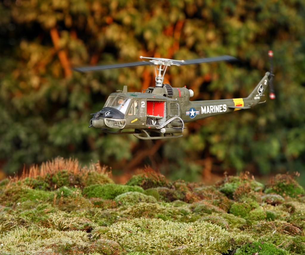 "Bell UH-1C ""Huey Hog"" GUNSHIP [1:48 - Monogram] Img_4310"