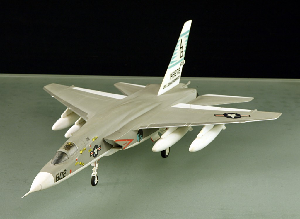 North American RA-5C 'Vigilante' - RVAH-14 1969 [1:72 - AIRFIX] North_14