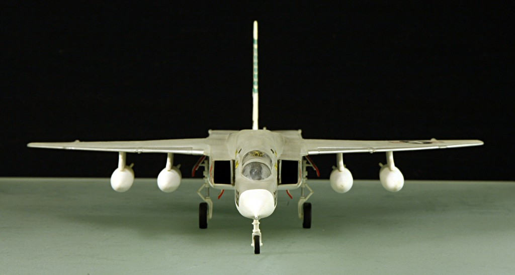North American RA-5C 'Vigilante' - RVAH-14 1969 [1:72 - AIRFIX] North_15