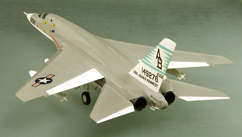 North American RA-5C 'Vigilante' - RVAH-14 1969 [1:72 - AIRFIX] North_16