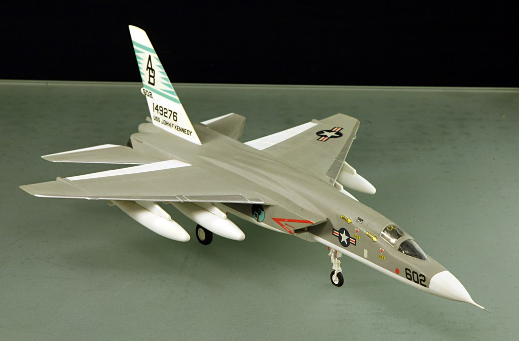 North American RA-5C 'Vigilante' - RVAH-14 1969 [1:72 - AIRFIX] North_17