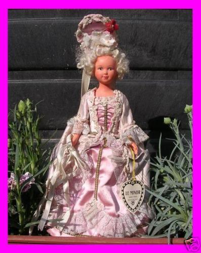 Marie Antoinette objet marketing - Page 5 7106_110