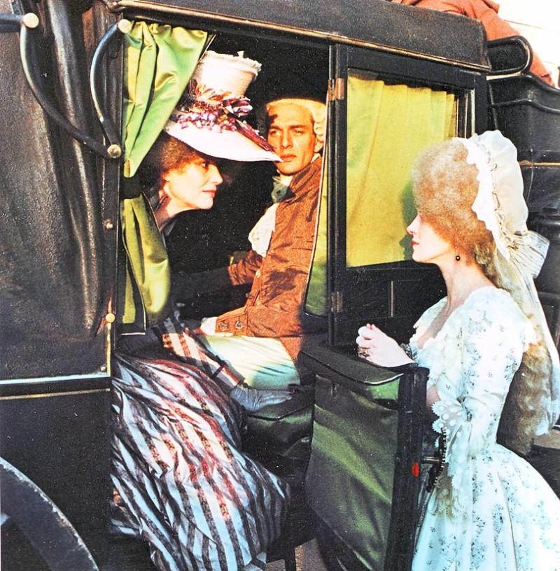 Les Années Lumières (Enrico) et Les Années Terribles (Heffron), avec Jane Seymour - Page 11 Al210