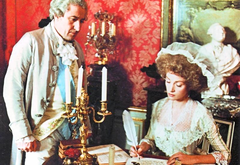 Les Années Lumières (Enrico) et Les Années Terribles (Heffron), avec Jane Seymour - Page 11 Al811