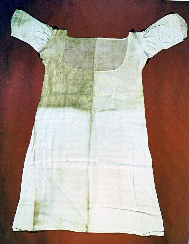 Les robes dites en chemise (ou robes en gaulle) - Page 4 Chemis10