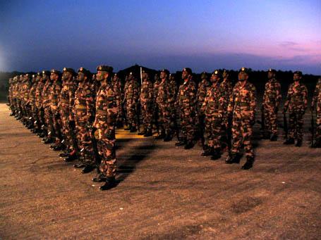 armée Sri-lankaise / Sri Lanka Armed Forces - Page 2 Img_0010