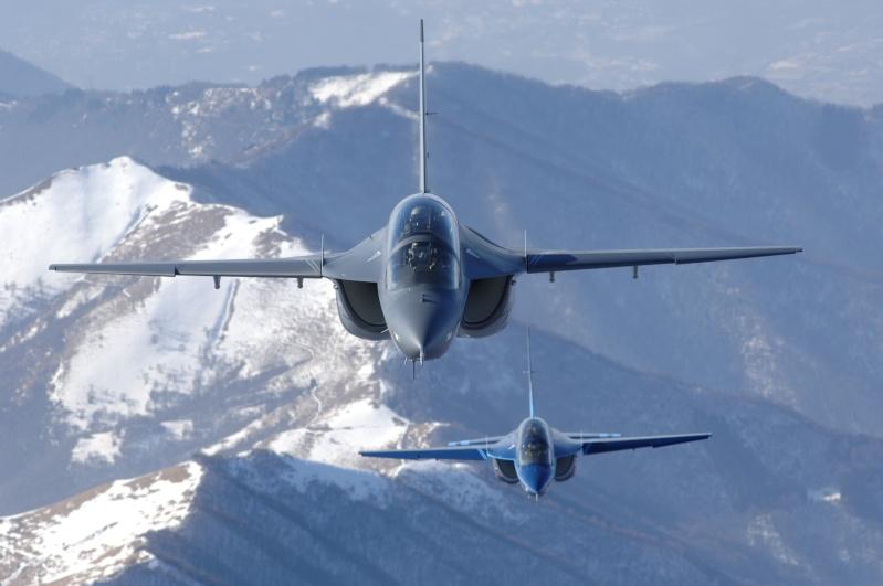 Aermacchi M-346 advanced jet trainer M-346_11
