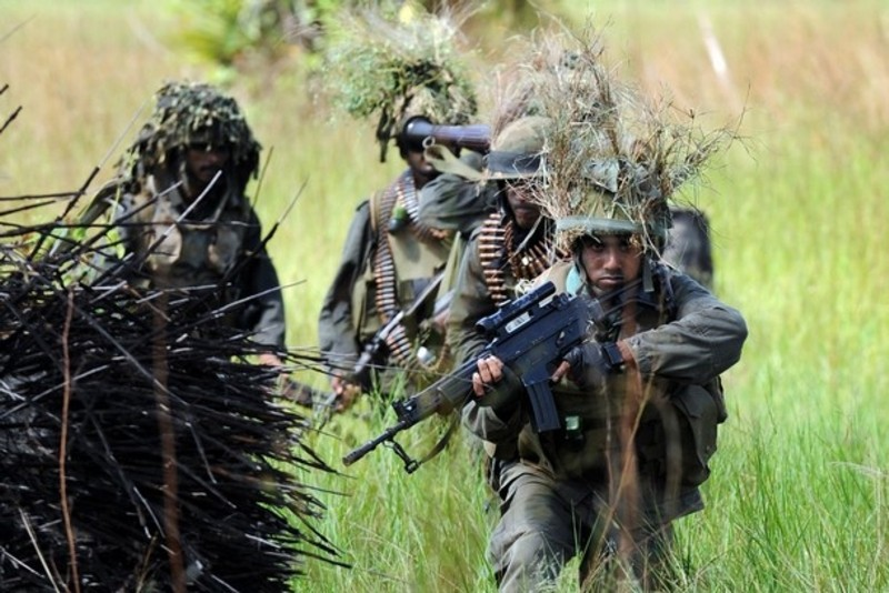 armée Sri-lankaise / Sri Lanka Armed Forces - Page 2 Sla1210