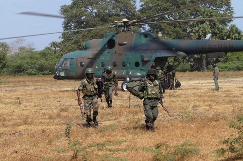 armée Sri-lankaise / Sri Lanka Armed Forces - Page 2 Sla410