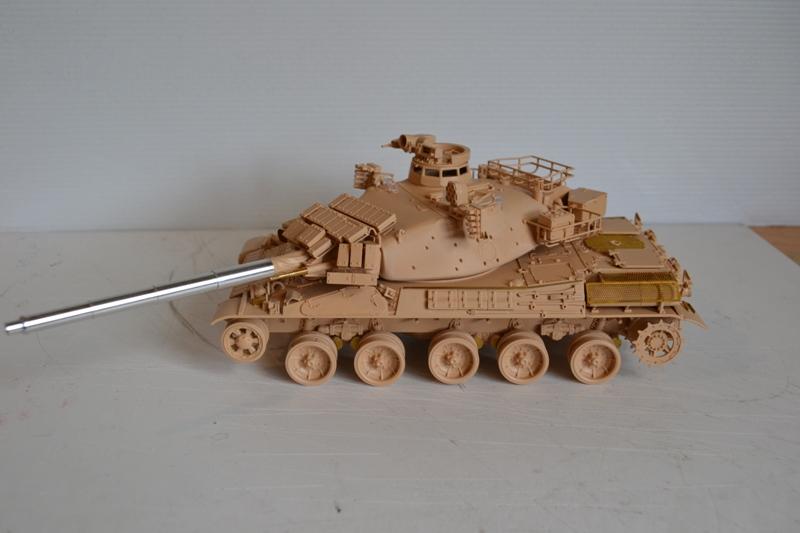 AMX30 B2 Brennus [Tiger Model] 1/35 - Page 2 Dsc_0195