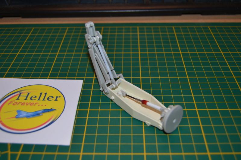 AMX-30 PLUTON -[Heller 81129] + [Terre-Model TM014] 1/35 Dsc_0282