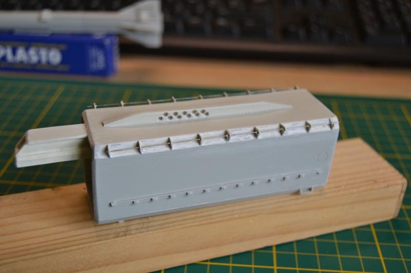 AMX-30 PLUTON -[Heller 81129] + [Terre-Model TM014] 1/35 - Page 2 Dsc_0325