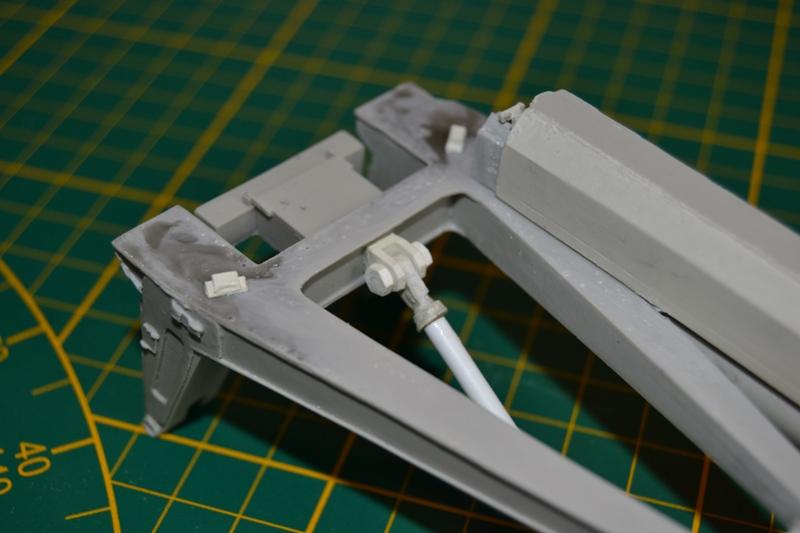 AMX-30 PLUTON -[Heller 81129] + [Terre-Model TM014] 1/35 - Page 2 Dsc_0333