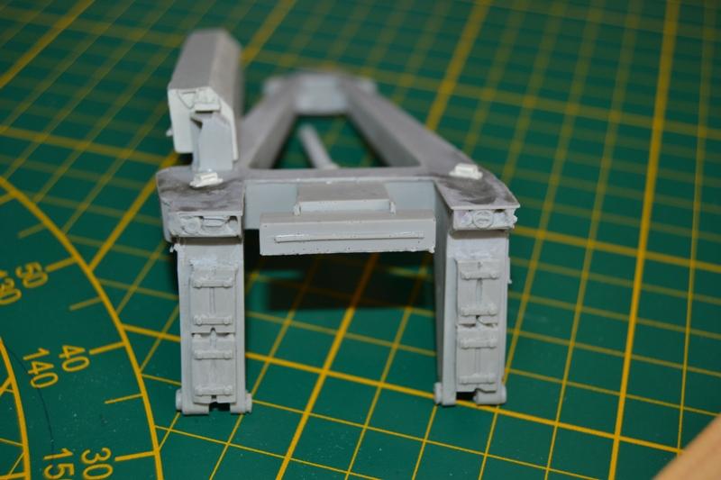 AMX-30 PLUTON -[Heller 81129] + [Terre-Model TM014] 1/35 - Page 2 Dsc_0334