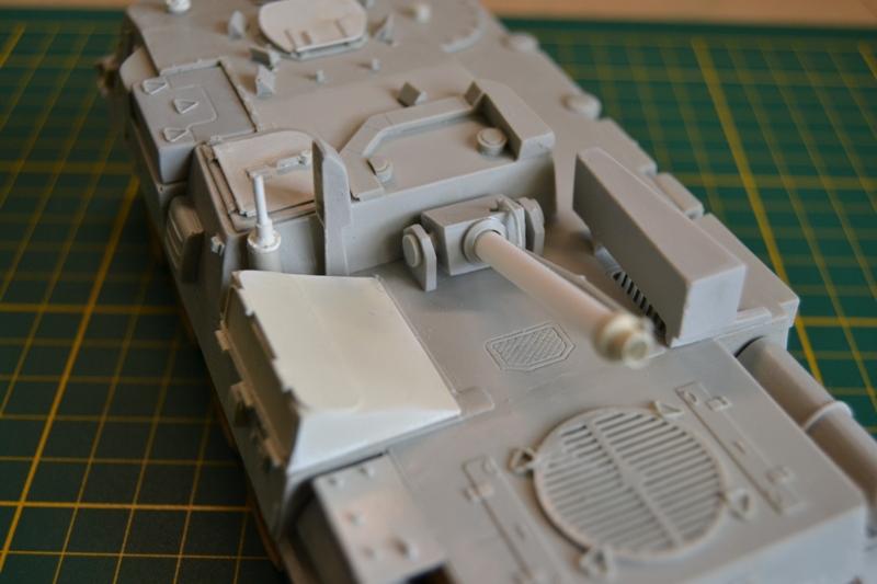 AMX-30 PLUTON -[Heller 81129] + [Terre-Model TM014] 1/35 - Page 2 Dsc_0340