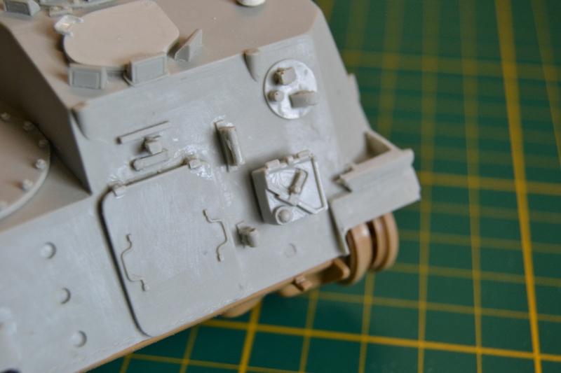 AMX-30 PLUTON -[Heller 81129] + [Terre-Model TM014] 1/35 - Page 2 Dsc_0344