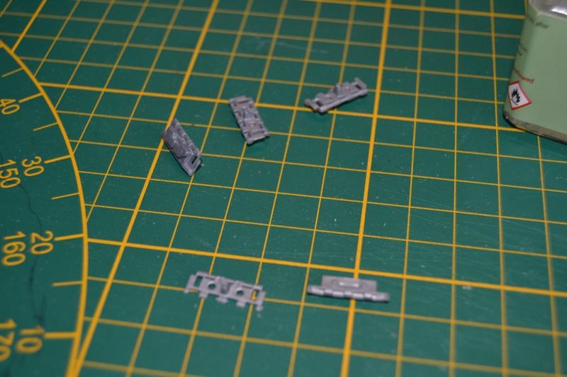 AMX-30 PLUTON -[Heller 81129] + [Terre-Model TM014] 1/35 - Page 2 Dsc_0345